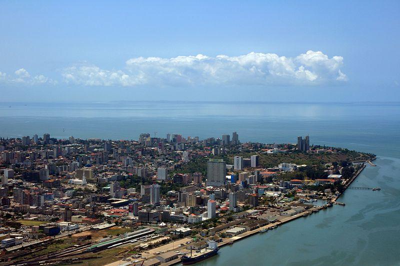 2010-10-18_10-55-00_Mozambique_Maputo_Macamo.jpeg