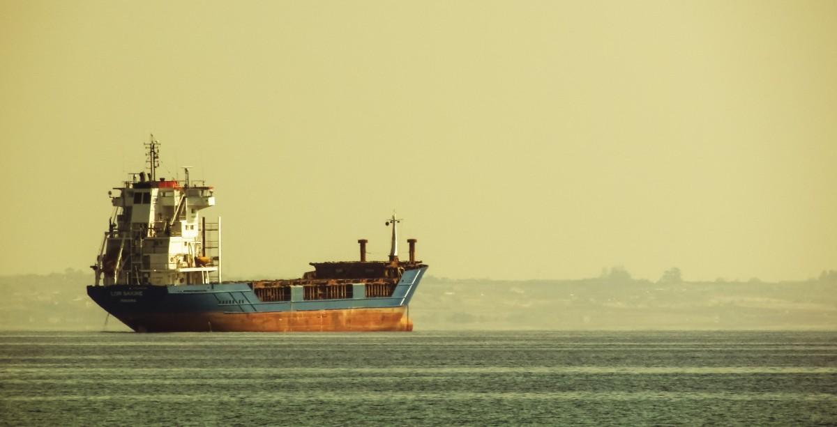 oil_carrier_tanker_cargo_vessel_ship_maritime_petroleum_harbor-456176.jpg!d.jpg