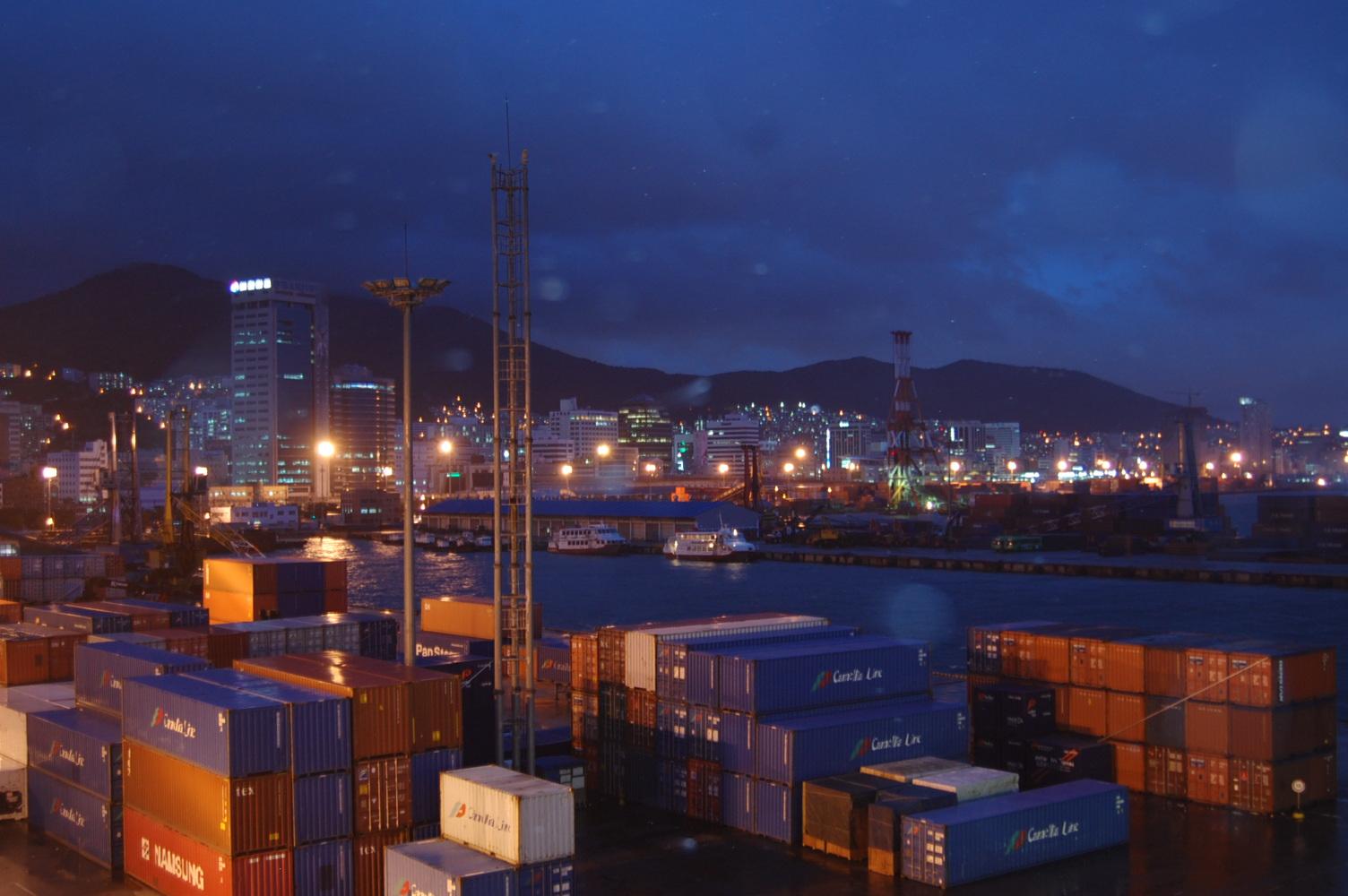 Korea_busan_pusan_harbour_cargo_container_terminal.jpeg